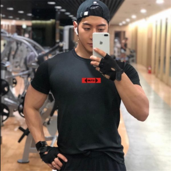2019 Brand Men T shirt bodybuilding fitness mens tops cotton leisure gyms singlets Cotton Short Sleeve tight fashion Tshirt